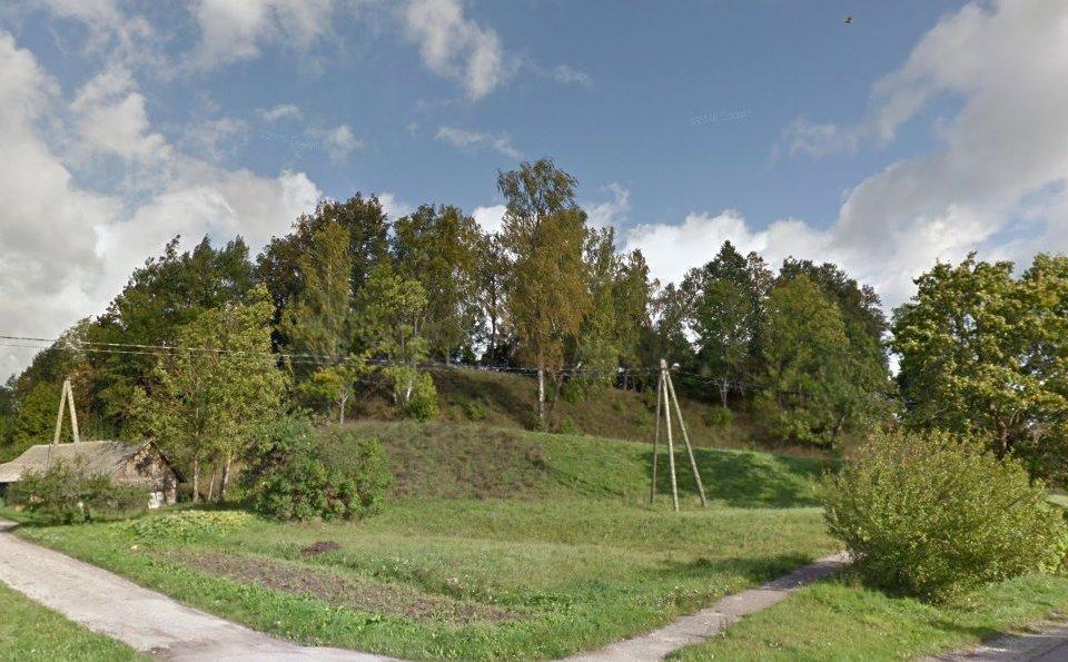 Tanīsa hill